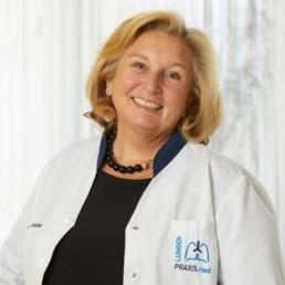Dr. Victoria Mösenbacher